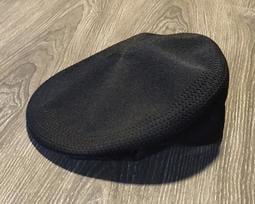 *(d)I.N.E案內所 :: KANGOL 復古黑色鴨舌帽 貝蕾帽 XXL 二手美品