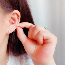 ☆貝露卡☆ 正韓國製 純14k金黃金閃亮鑽小金魚螺絲螺旋耳骨耳環耳垂耳環 單支預購