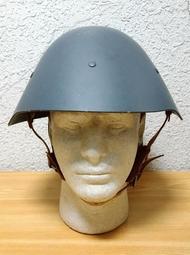 全新庫存 東德M56 輕量化儀隊頭盔 (非 鋼盔 刺刀 防毒面具 德軍 美軍 國軍 )