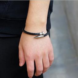 新款配件飾品潮男型男必備時尚單品 不锈鋼釘子編織皮革手鍊手環手鏈皮繩 磁扣開合 金銀黑3色 生日禮物 情人送禮