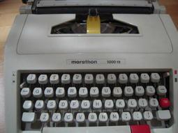 MARATHON 1000TR 打字機【廣告用關鍵字╭☆一元起標無底價】