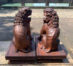 【啟秀齋】早期老件木雕 曾進財 創作 圓融祥獅一對 有落款 牛樟木 雕刻