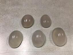 168小市場NO.219天然白玉隨蛋面 大顆飽滿厚實 5顆一起走1200