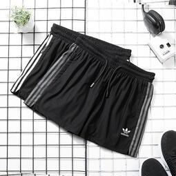 Adidas Originals 三葉草 愛迪達 男女情侶經典款 瑜珈跑步健身 五分褲 運動休閒短褲 闊腿熱褲2201